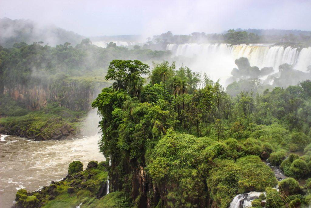 amazonie chute d'eau réserve d'eau douce