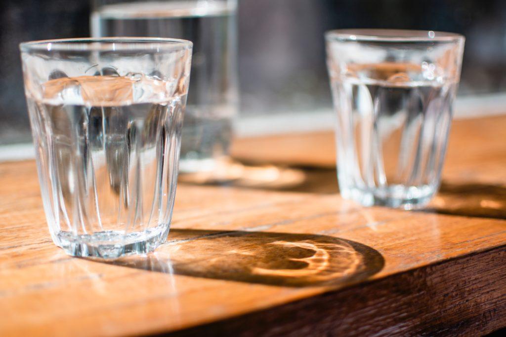 verre d'eau boisson